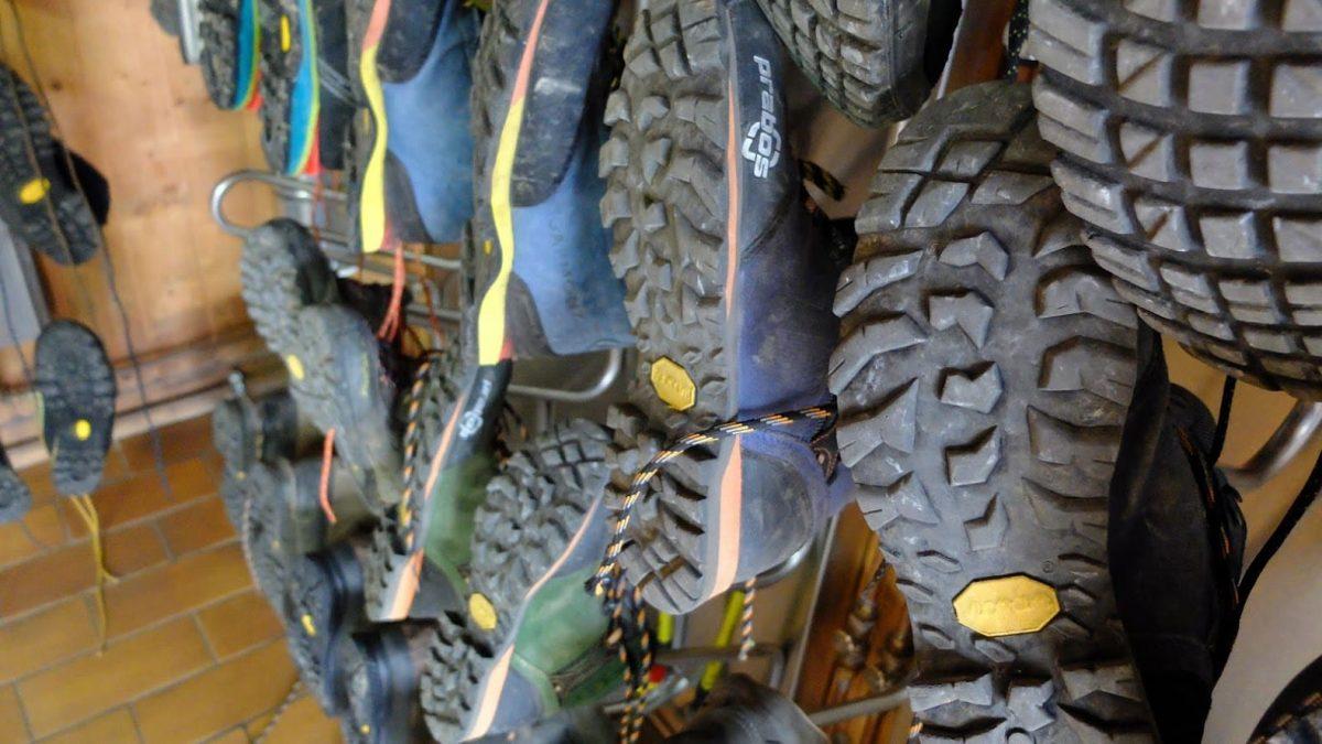 uty trekkingowe Acotango z podeszwą Vibram Curcuma