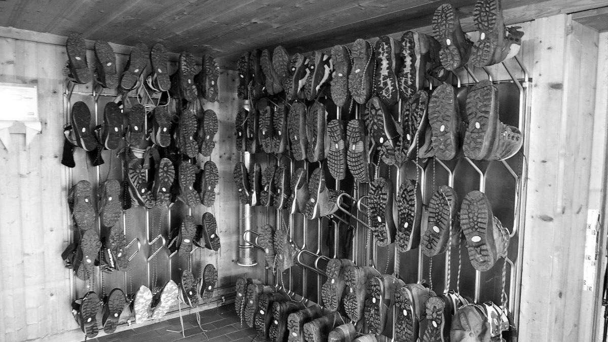 Buty trekkingowe z podeszwą Vibram.