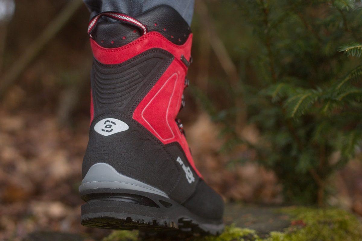 Pular , wysokie czerwony buty górskie pod raki