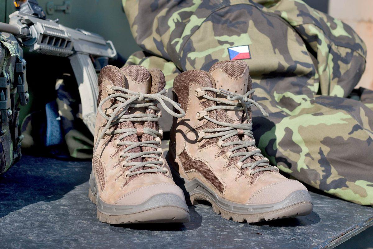 Beast to wysokie letnie buty wojskowe