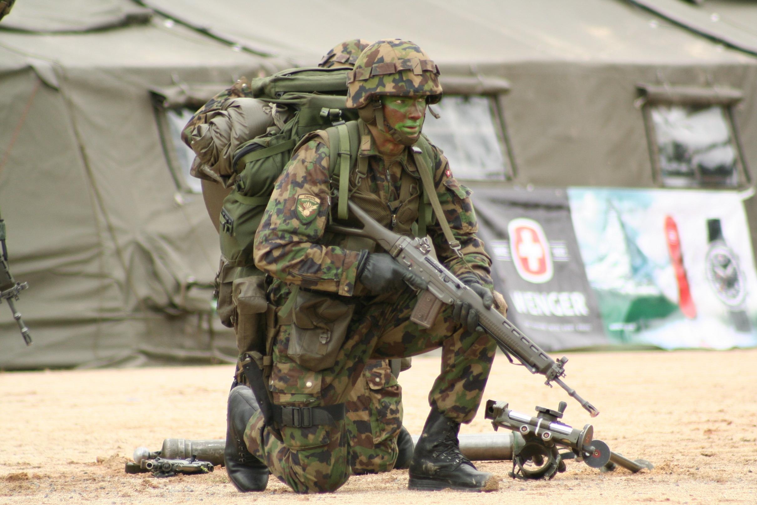 Buty wojskowe dla szwajcarskiej armii