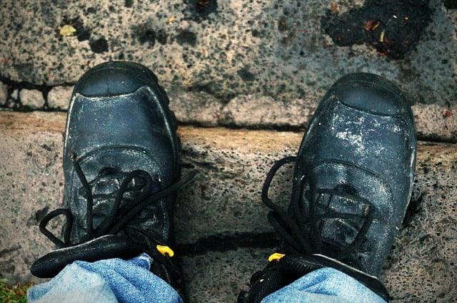 Jakie buty wybrać na budowę