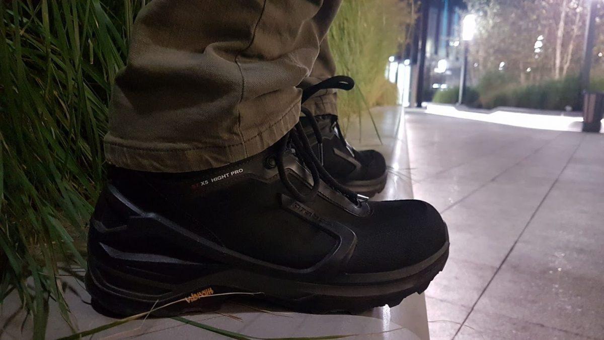 Czarne buty trekkingowe do miasta z GTX
