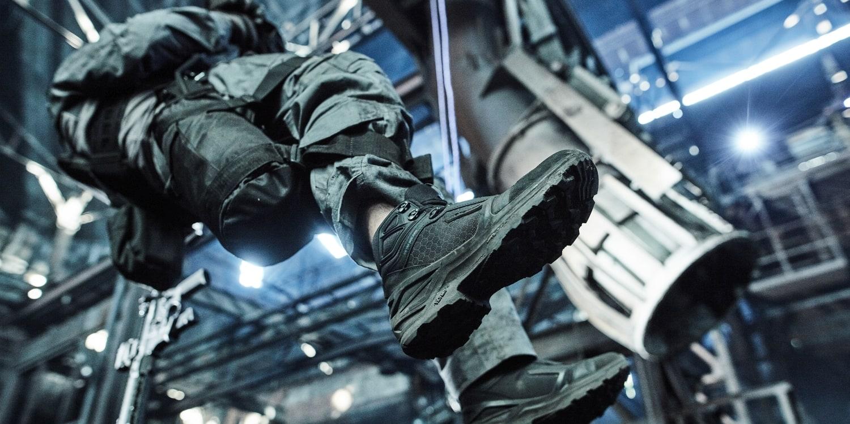 Czarne buty taktyczne dla policji i ochrony